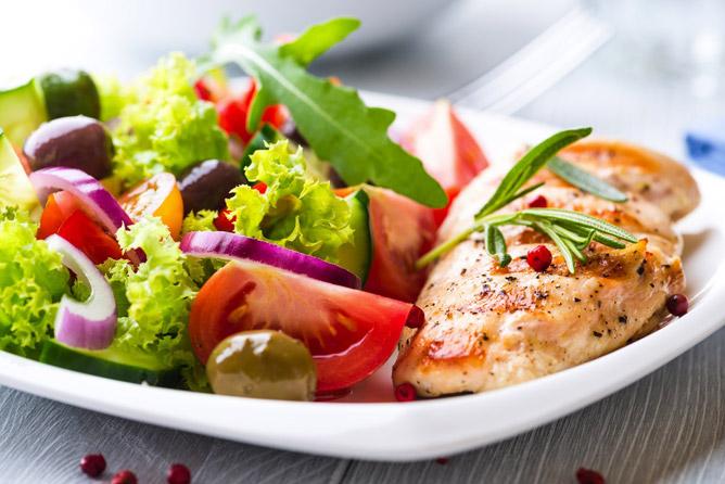 une alimentation équilibrée pour soulager les hémorroïdes